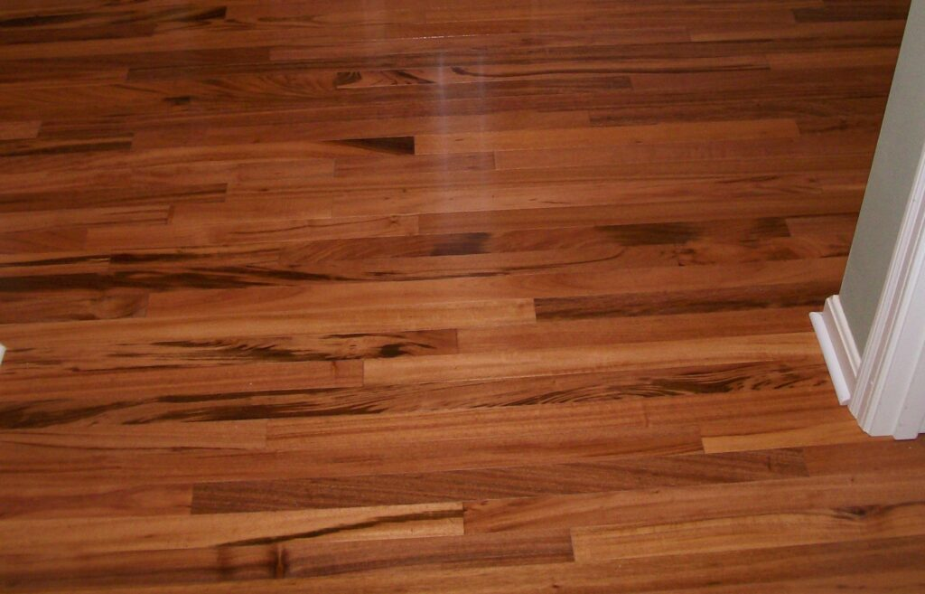 Hardwood Vs Laminate Van Dyke Home Improvements